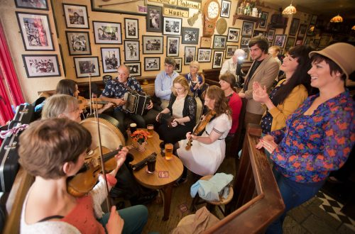 Trad Irish Music pubs in Galway city, our top 5 pubs for a session in Galway